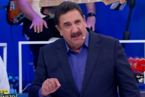 Ratinho compartilhou vídeo de programação da Globo e chamou a atenção (Foto: Reprodução)