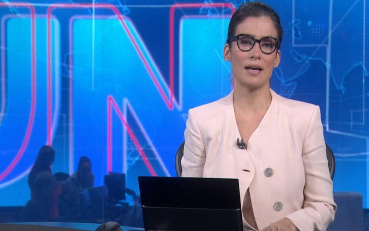 Renata Vasconcellos apresenta o Jornal Nacional na Rede Globo (Foto: Divulgação)