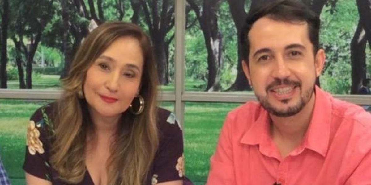 Sonia Abrão e Thiago Rocha (Foto: Reprodução/RedeTV!)
