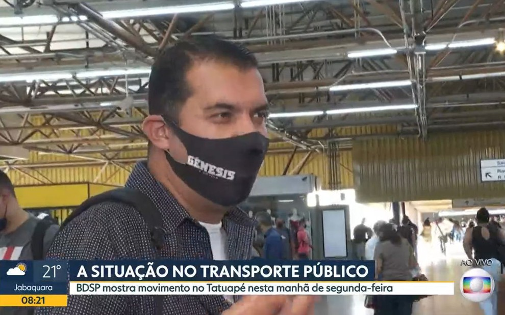"Repórter da Globo erra feio ao vivo, promove fenômeno da Record e revolta é mostrada na TV: ""Tá insatisfeito"""