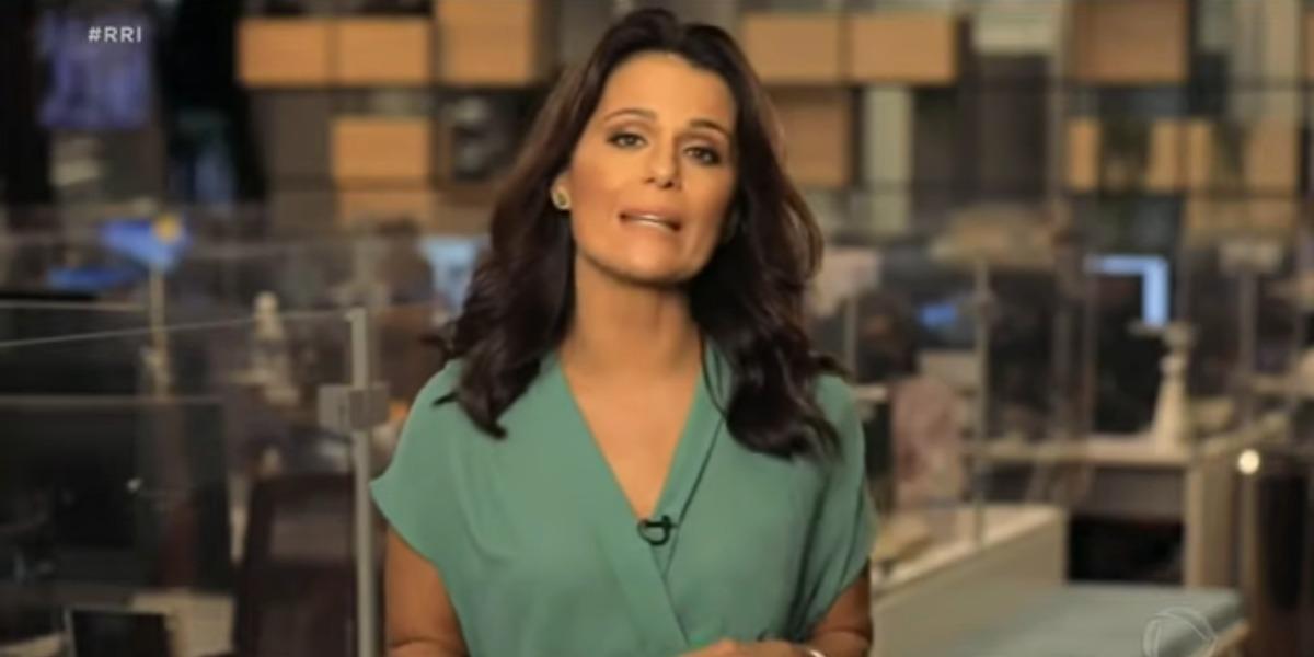 Adriana Araújo expôs entrada ao vivo no Jornal Nacional na época em que era jornalista da Globo (Foto: Reprodução)