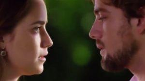 Ana e Rodrigo frente em A Vida da Gente
