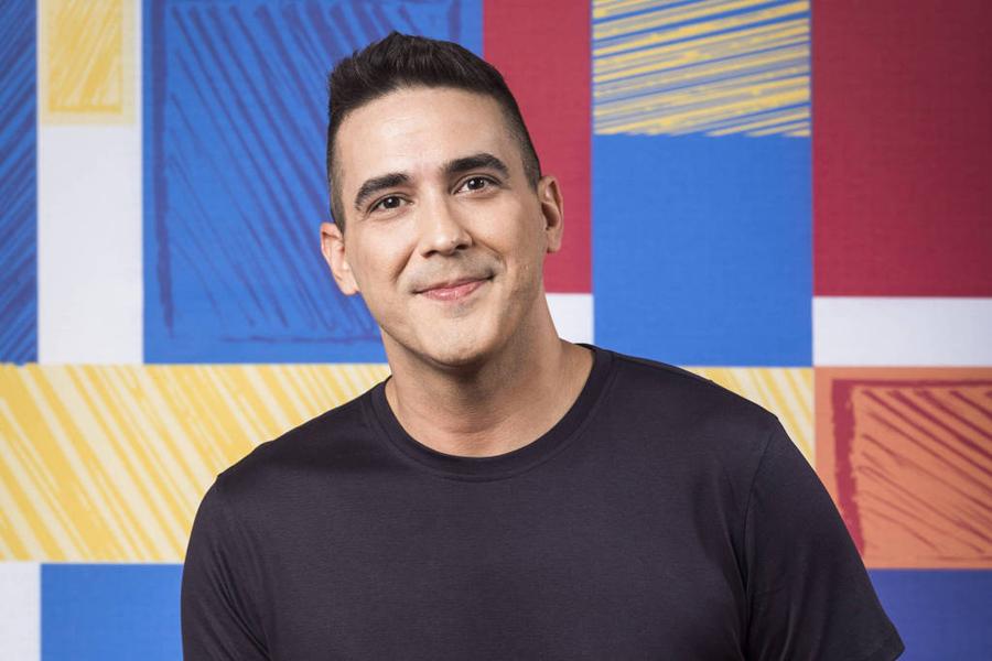 O apresentador de No Limite, André Marques