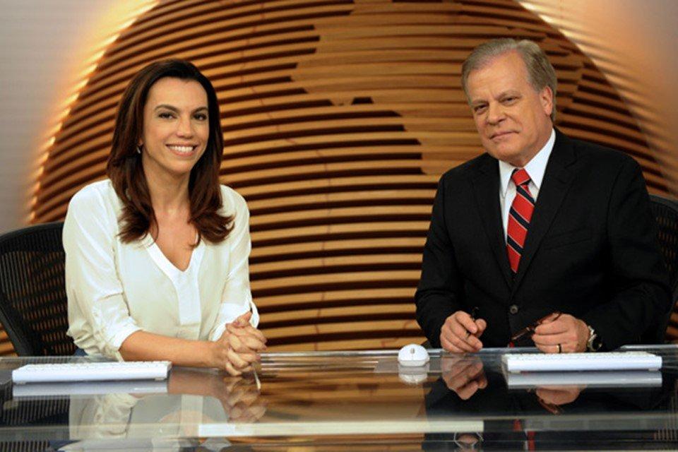 Chico Pinheiro e Ana Paula Araújo na bancada do Bom Dia Brasil (Foto: Reprodução/ Globo)