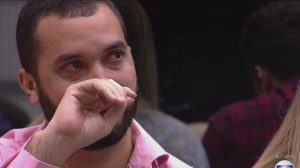 Gil lamenta ataque homofóbico (Foto: Reprodução)