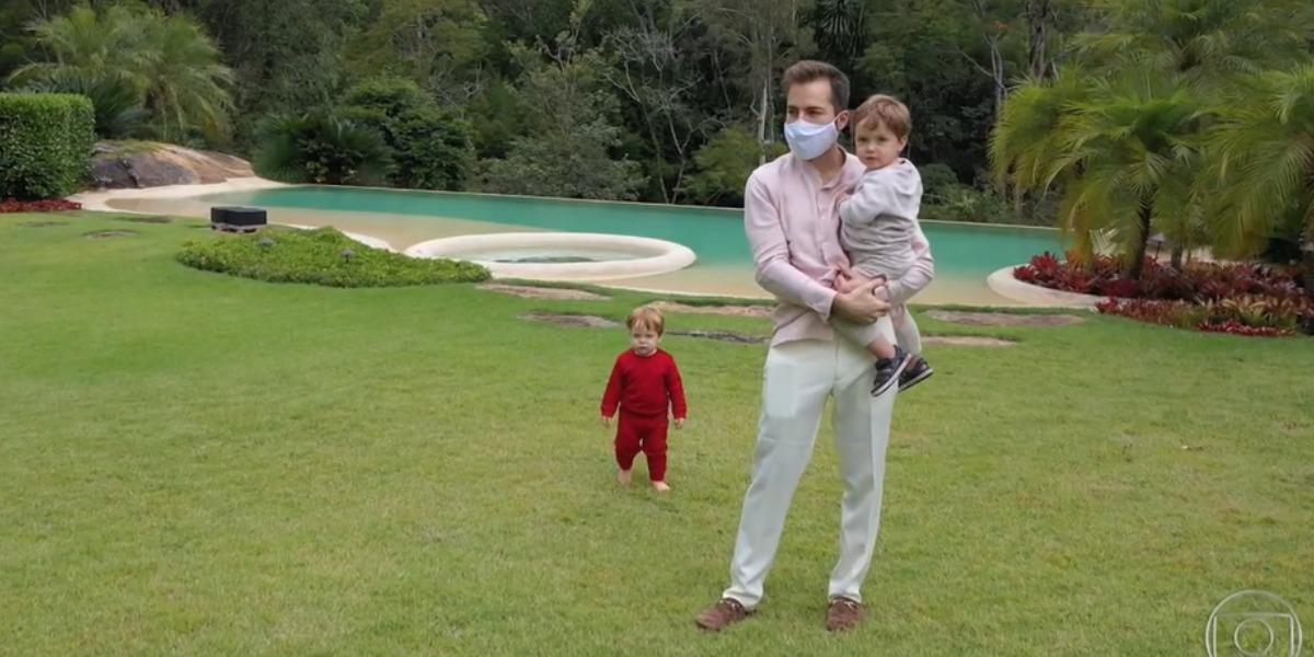 Em entrevista emocionante, Paulo Gustavo falou sobre não saber como explicar aos filhos sobre a partida do pai (Foto: Reprodução)