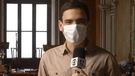 Globo estraçalha repórter ao vivo (Foto: Reprodução)