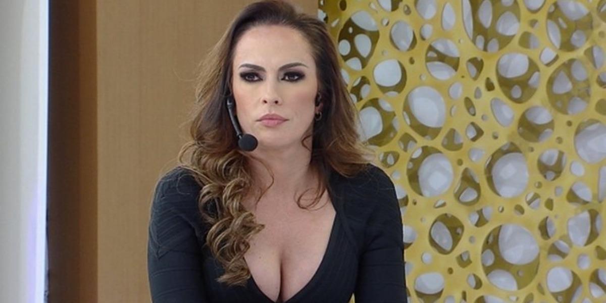 Núbia Óliiver é investigada pela polícia federal (Foto: Reprodução/RedeTV!)