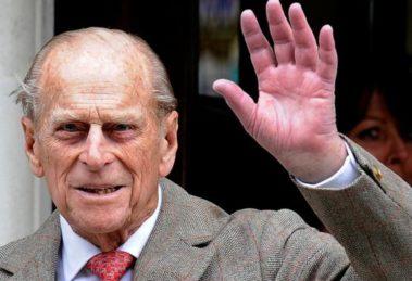 Príncipe Philip tem atestado de óbito exposto (Foto: Reprodução)