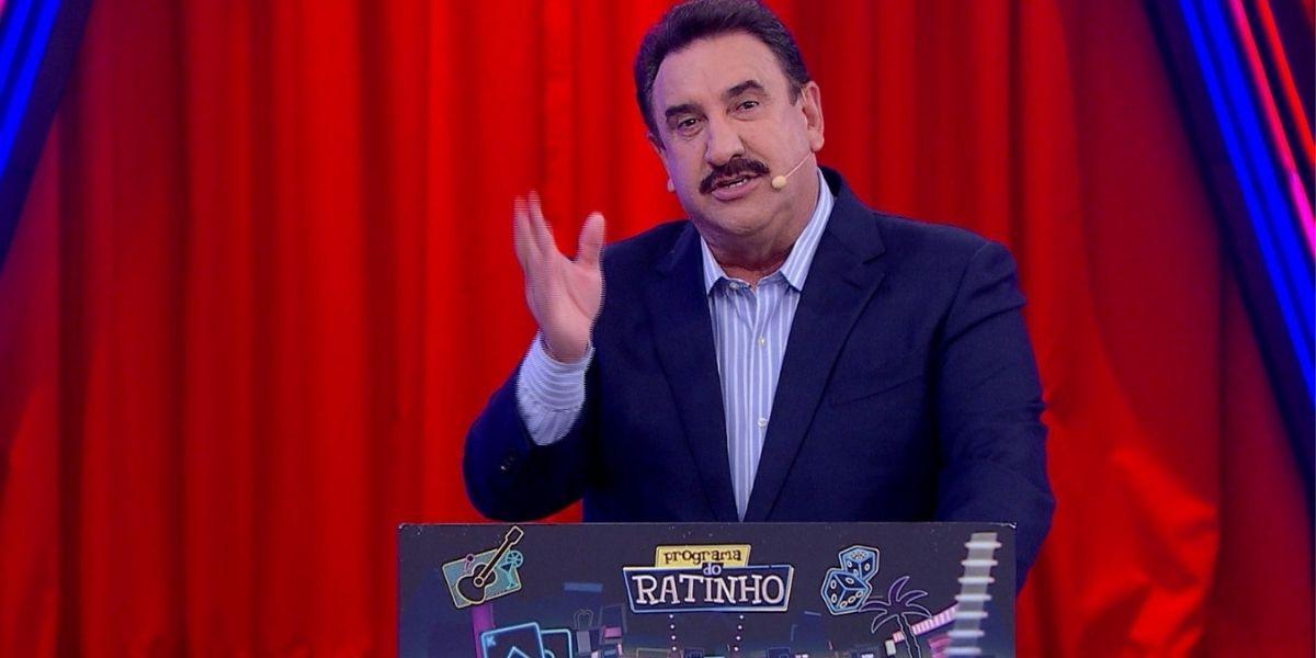 """Ratinho escandaliza e quebra regras ao colocar Maju no palco e humilhar sem dó: """"Não se mete"""""""
