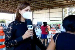 Repórter da Globo acaba se irritando com uma mulher