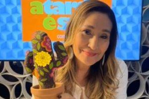 """Sonia Abrão no """"A Tarde é Sua"""", da RedeTV! (Foto: Reprodução/Instagram)"""