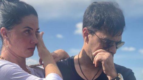 Zezé Di Camargo visitou túmulo do pai e chorou em homenagem (Foto: Reprodução)